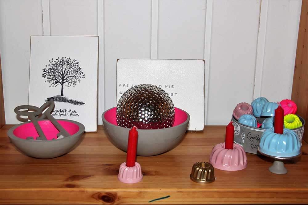 Kleine Kunststube - Kunstgewerbe - Betonschalen und Kerzenständerchen