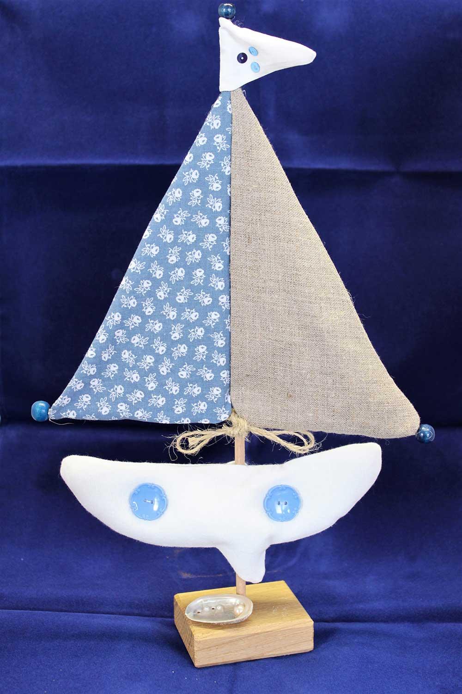 Kleine Kunststube - Kunstgewerbe - Stoffsegelboot